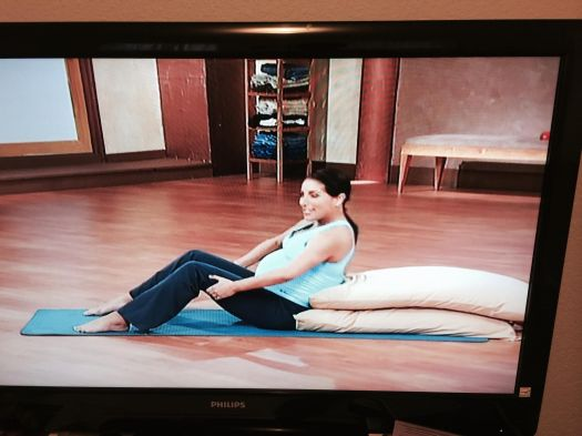 workout with pillows