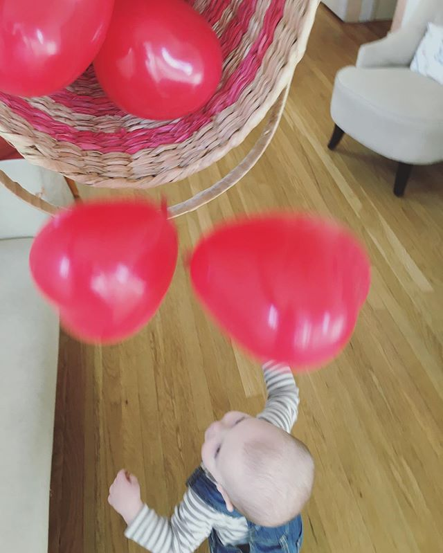 ballon shower toddler play